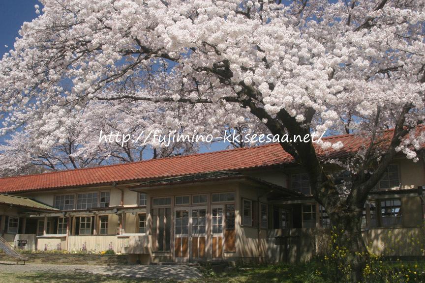 霜里学校(小川小学校旧下里分校)